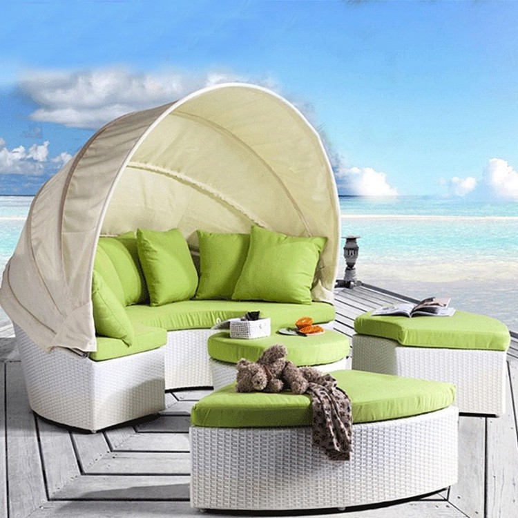 4 pieces Daybed with canopy